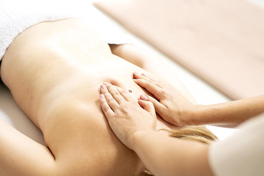 Dybdegående massage med hænder